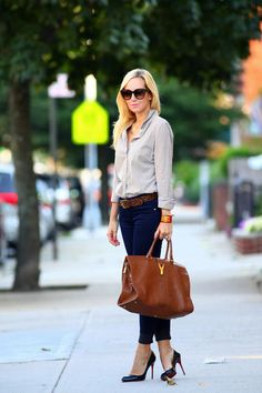 Brooklyn Blonde - I have an ON lookalike shirt - and need to get that T belt! Brooklyn Blonde, Casual Work Outfits, Mode Outfits, Work Casual, Casual Chic, Smart Casual, Casual Fall, Casual Fridays, Work Attire