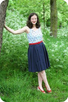Debi's 'Queen Anne's Lace' Lilou Dress #LoveAtFirstStitch