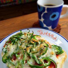 以上ʕ-̼͡-ʔ - 52件のもぐもぐ - ナメダ珈琲店モーニングは昼もやってますʕ-̼͡-ʔほぼピマーンだけのやっつけピザトースト☕️ʕ-̼͡-ʔパンとトマトソースは自家製ですの by sevensea73