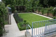 Small Urban and Courtyard Garden - Fairstone Honed Indian Sandstone