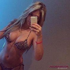 http://megabuenas.com/simple_danii-la-colombiana-mas-rica-de-instagram/