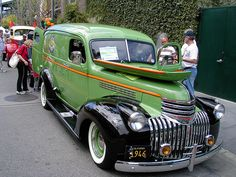 1946 Chevrolet Half-Ton Panel Truck, Not many of these left. Hot Rod Trucks, Lifted Ford Trucks, Gm Trucks, Chevrolet Trucks, Cool Trucks, Cool Cars, Chevrolet Van, Toyota Trucks, Diesel Trucks