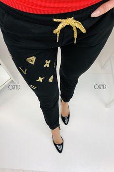 Čierne dámske tepláky s elegantným vzhľadom Harem Pants, Fashion, Harem Jeans, Fashion Styles, Harlem Pants, Fashion Illustrations, Harem Trousers, Trendy Fashion, Moda