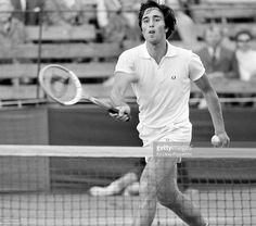 alex-metreveli-of-russia-in-action-at-wimbledon-circa-july-1972-lost-picture-id462776594 (1024×905)