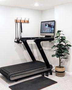 Diy Home Gym, Gym Room At Home, Home Gym Decor, Workout Room Home, Workout Rooms, Workout Gear, Home Gym Design, House Design, Small Home Gyms