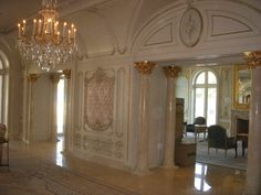 Pictures of Le Palais du Couchant taken by a Homes of the Rich Reader