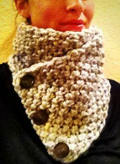 One-day bulky yarn knit cowl .. and best yet ~ NO buttonholes!