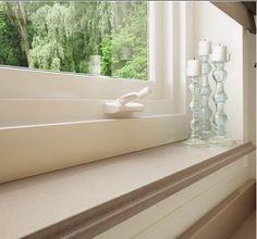 Fensterbänke aus Marmor sind für Innen die erste Wahl. Sie werden maßgenau von uns angefertigt. Zuschnitt nach Maß oder Schablone, mit Ausklinkungen oder Rundungen sind kein Problem für uns. Die Innenfensterbänke aus Marmor haben eine robuste Oberfläche, sind kratz- und abriebfest, pflegeleicht und lange haltbar. Außerdem hat er schöne Oberflächen, speichert Wärme und sieht natürlich aus.