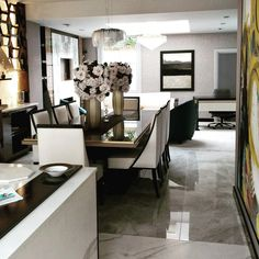We ❤️ working with interior designers creating bespoke florals that every luxury home needs. #interiordesign #interordesigners #interior #londoninteriordesigners #londonhome #interiordesigns #lovelondon #homedesign #luxuryhomes #luxuryhomedecor #interiordesignerslife #luxuryapartments #londoninteriors