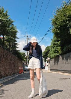 Jaw-Dropping Cool Ideas: Fashion Tips For Men Simple fashion tips for men shirts.Fashion Dresses Online fashion tips school. Korean Girl Fashion, Tomboy Fashion, Fashion Stylist, Hipster Fashion, School Fashion, Girls Fashion Clothes, Girl Outfits, Fashion Dresses, Korean Summer Outfits