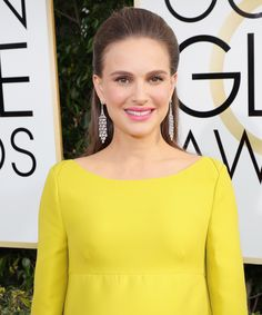 Natalie Portman's Golden Globes Maternity Dress Is So Unexpected