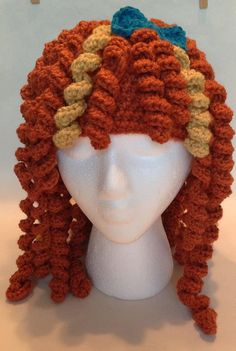 Scottish princess curly wig hat by Evermicha on Etsy Crochet Kids Hats, Knitted Hats, Knit Crochet, Scoodie, Yarn Wig, Crochet Costumes, Wig Hat, Crochet Disney, Halloween Crochet