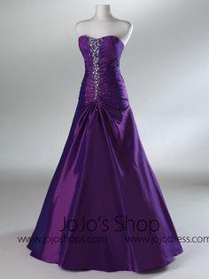 Pretty Prom Dresses, Elegant Dresses, Pretty Outfits, Cute Dresses, Purple Wedding Dresses, Dark Purple Prom Dresses, Purple And Black Dress, Petite Gowns, Military Ball Gowns