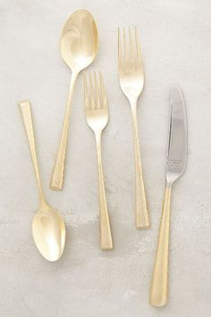 Two tone flatware: the perfect way to spruce up even the most mundane meal.