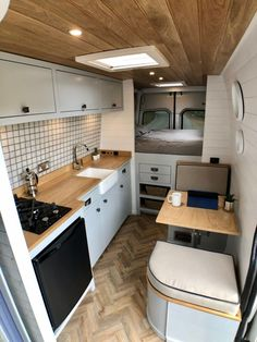 This custom-built campervan makes on-the-road living easy - Living in a shoebox Van Conversion Interior, Camper Van Conversion Diy, Van Interior, Van Conversion Shower, Motorhome Interior, Kombi Home, Van Home, Van Living, Camper Life