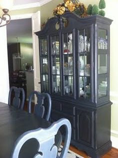 Formal dining table & china cabinet repainted using Annie Sloan Chalk Paint/Graphite
