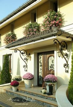 Home Door Design, House Gate Design, House Front Design, Spanish Style Homes, Spanish House, Home Decor Hooks, Small Garden Landscape, House Makeovers, Paris Architecture