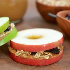 Apple Sandwiches    1 tablespoon rolled oats  1/8 teaspoon ground cinnamon  3 tablespoons unsweetened peanut butter  3/4 teaspoon honey  1 tablespoon raisins  1 medium apple    Combine the oats and cinnamon in a dry skillet over medium heat and toast, stirring occasionally, until the oats are golden. Cool before using.    Mix together the peanut bu