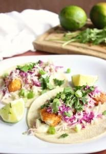 Crispy Fish Taco w/ Cilantro Sauce: These fish tacos are perfect for Cinco de Mayo! They taste fresh and crispy. Enjoy these fish tacos any day of the week! Fish Recipes, Seafood Recipes, Mexican Food Recipes, Cooking Recipes, Seafood Dishes, Healthy Recipes, Mexican Meals, Healthy Meals, Vegetarian Who Eats Fish