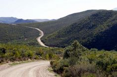 Huis se Hoogte Pass           Looking east from the starting point   Swartberg