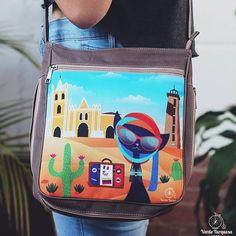Lleva un pedacito de #Venezuela contigo  con @veturquesa COCO en los MÉDANOS  Compras Online vía  Info@verdeturquesa.com http://ift.tt/2aR8fbh IG & Twitter:  @veturquesa  -  DIRECTORIO MMODA  #Tendencias con sello Venezolano  #DirectorioMModa #MModaVenezuela #DiseñoVenezolano #Venezuela #cartera #bag #hechoenvenezuela #moda #fashion #style #shopping