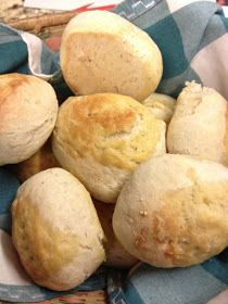 Buscador de recetas en blogs chilenos: Las mejores recetas de pan amasado Hamburger, Bread, Food, Chilean Recipes, Bread Recipes, Best Recipes, Breads, Foods, Kitchen