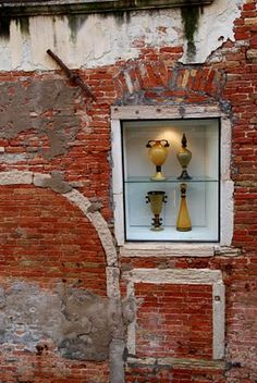 As you wander through Venice, in completely unexpected places, you find little window displays Verona Italy, Puglia Italy, Venice Italy, Bologna, Culture Of Italy, Detail Architecture, Andrea Palladio, Most Romantic Places, Italy Travel