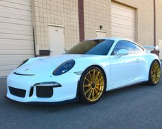 991 Porsche GT3 with set of 20-inch Forgeline one piece forged monoblock GT1 wheels finished in Satin Gold and Michelin Pilot Sport Cup tires.