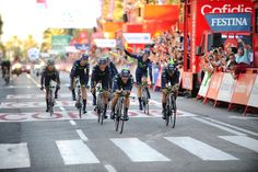 2014 vuelta-a-espana photos stage-01 - Jonathan CASTROVIEJO led Movistar across the line and will be the first race leader