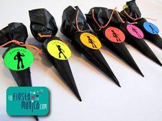 Chocolates personalizados para el candy bar o para souvenir #fiesta #disco #magica www.tufiestamagica.com
