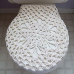 If one felt so inclined,...free pattern for a Toilet Seat Cover.