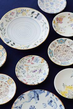 バーデンバーデンとクリエーターたちの日々: 山野辺彩個展「Merry Merry Christmas!」のご案内 Ceramic Design, Ceramic Decor, Clay Plates, Surface Art, Kitchenware, Tableware, Pottery Plates, China Patterns, How To Make Beads
