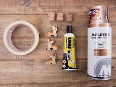 Tutoriale DIY: Cómo decorar tapones de botella con figuritas vía DaWanda.com