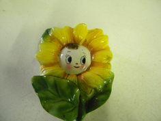 Daisy wall pocket