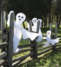 HearthSong Nylon Peek-a-Boo Ghost with Wire Frame Halloween from HearthSong on Catalog Spree, my personal digital mall. Halloween Fence, Halloween Ghosts, Halloween 2019, Halloween Costumes For Kids, Fall Halloween, Halloween Crafts, Happy Halloween, Halloween Party, Outdoor Halloween