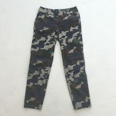 "Camo Army print Chino Crapis Cool pair of chino's! Army/camouflage print pants. In excellent used condition. No rips, tears or stains. Fits like 00/0. They're capris on me, I'm 5'8"", but size tag says P so they might fit more like ankle pants on a shorter person. Please let me know if you have any questions :) Caslon Pants Ankle & Cropped"