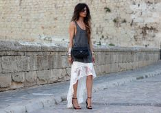 Photos by María HDH (SKIRT Coolsuite here, T-SHIRT H&M, SHOES Zara Sales, BAG Chanel)