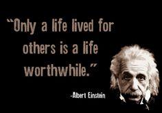 """""""Só uma vida vivida para os outros é uma vida que vale a pena."""" - Albert Einstein.      Quando você trabalha com algo, no segmento que for, que pode beneficiar as pessoas tornando-as mais felizes, produtivas e despertando nelas o seu real valor, você sente que todo o seu esforço está valendo a pena. Isso resume um pouco do que penso em ser um bom líder!"""