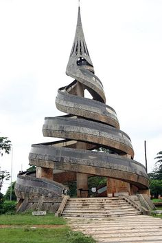 MONUMENT YAOUNDÉ, CAMEROON | See more in Real WoWz