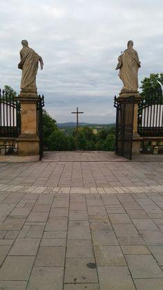 Widok na Kalwarie Zebrzydowską od strony wyjścia z Kościoła.