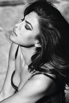 Eva Mendes  Join AmoLatina.com and meet beautiful single women!