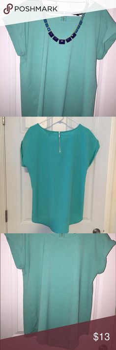 Express Top Great Condition - Gently worn with no flaws. Zipper detail on back.  Great blouse that can transition easily from work to going out. Express Tops Blouses