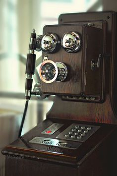 Old Phone by MeAmore5, via Flickr