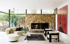 Dicas de decoração para salas com lareira de vário estilos e formatos. Lareiras a gás, lareiras metálicas, lareiras convencionais...