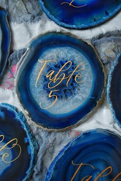 Agate table numbers with blue calligraphy Sliced ​​table decorations of agate Geode table num… – Marble Table Designs Gold Table Numbers, Wedding Table Numbers, Picture Frame Table, Round Wedding Tables, Round Marble Table, Table Number Holders, Rustic Table, Elegant Table, Wood Table