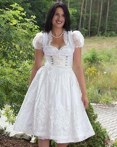 Wedding dirndl,blouse,apron medium - Bild vergrößern