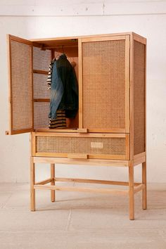 Storage cabinet in gmelina wood, open woven look, when you need a little more closet space . Armoire Design, Home Furniture, Furniture Design, Regency Furniture, Apartment Furniture, Furniture Market, Furniture Storage, Paint Furniture, Luxury Furniture