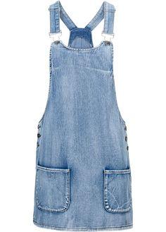 Veja agora:É jeans por toda a parte! Então vamos entrar na moda. Salopete em jeans muito charmosa de comprimento curto, com 2 bolsos frontais e botões de metal nas laterais. Com alças reguláveis. Dica: combine com sandálias rasteiras, com tênis ou com sapatilhas.