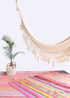 Beautiful woven hammock swing with crochet and fringe scalloped-edge detailing and wood bead accents Perfect for inside your home and for terraces, balconies, gardens or patios. No bohemian surf shack balcony bohemian Crochet & Fringe Hanging Hammock Hanging Hammock, Hammock Swing, Hammocks, Hippy Room, Boho Room, Townhouse Exterior, Backyard Studio, Outside Furniture, Crochet Fringe