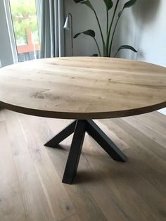 Wood Floor Design, Dining Chairs, Dining Table, Stylish Kitchen, Round Dining, Living Room Kitchen, Home Renovation, Interior Inspiration, Home Furniture